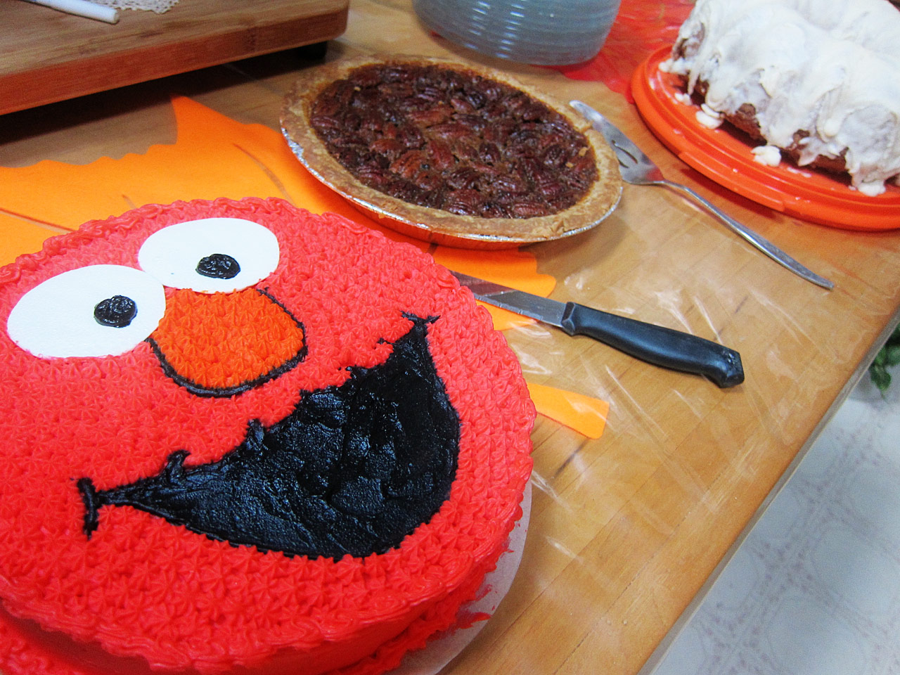 Elmo cake and other deserts
